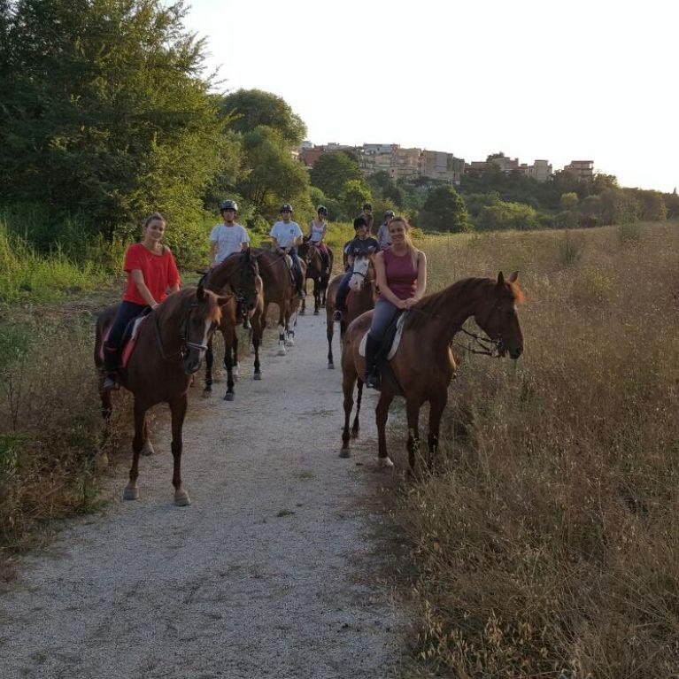 Passeggiata a Cavallo Roma  Olgiata Circolo Ippico Durlindana